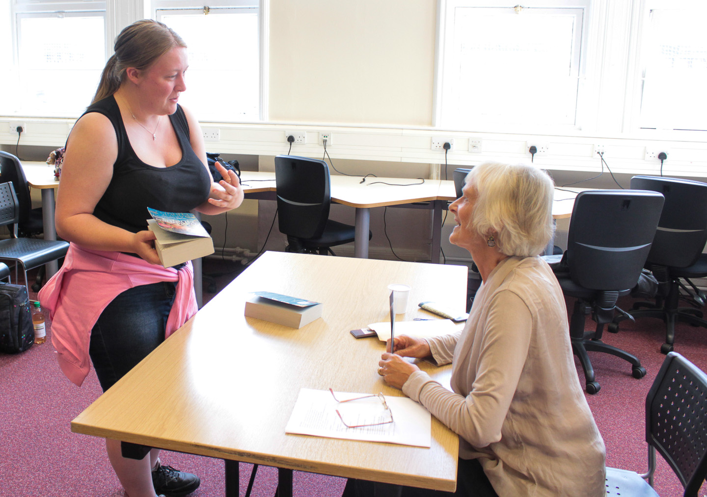 Anne O'Brien signs copies of The Forbidden Queen
